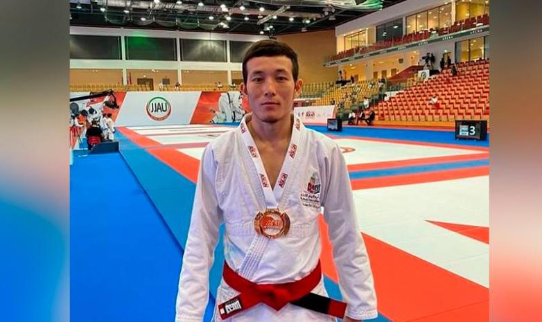 Джиу-джитсу: Жеңіс – Азияның 3 дүркін чемпионы